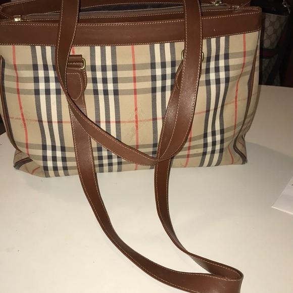 Burberry Handbags - Burberry London Vintage Nova Check tote